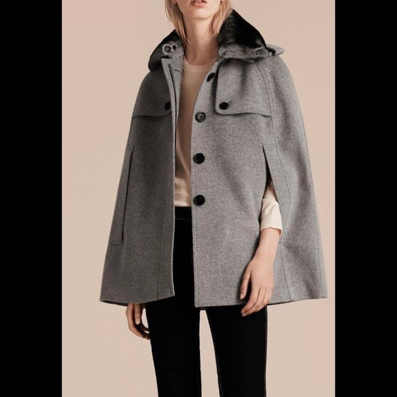 Burberry wool cashmere cape with fur collar